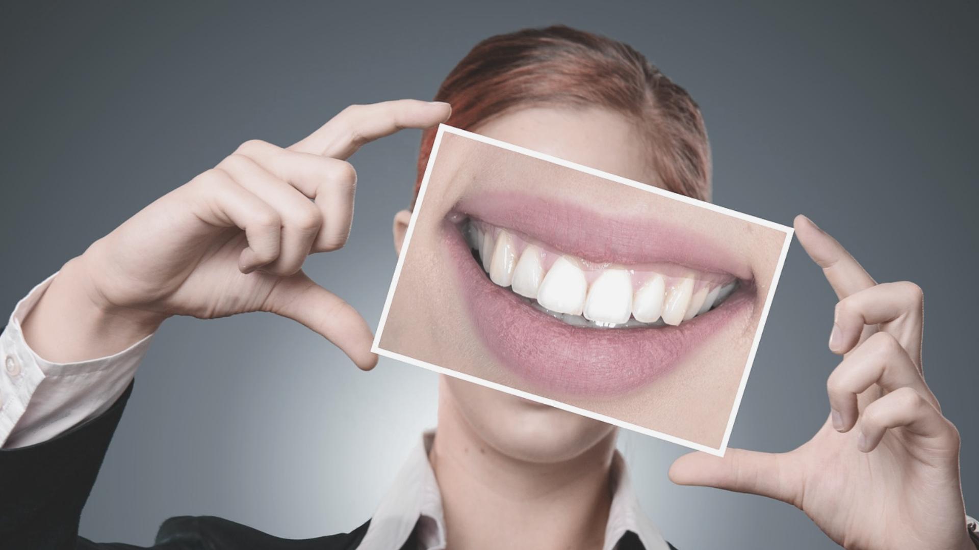 Cómo combatir la inflamación de las encías